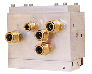 COMPACT KNEELING BUS MODULE WITH OVER-RAISE